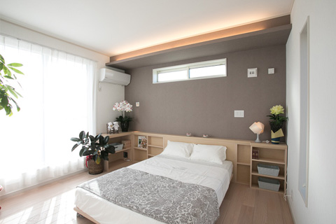 岐阜イタヤホームの注文住宅施工事例写真5。ナチュラルテイストな寝室